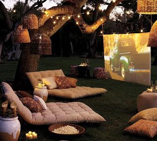 Bahçeye sinema keyfi kurmak