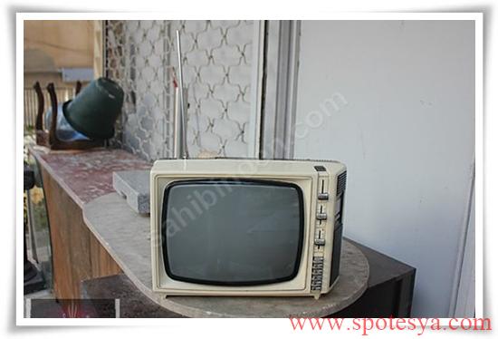 an tika tüplü siyah beyaz televizyonlar001