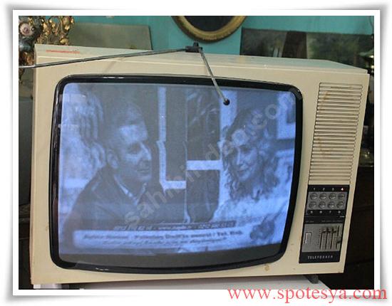 an tika tüplü siyah beyaz televizyonlar002