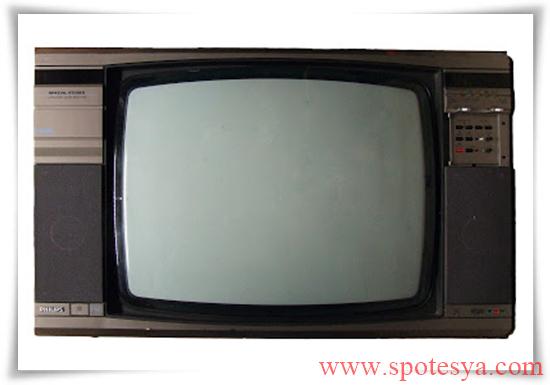 an tika tüplü siyah beyaz televizyonlar004