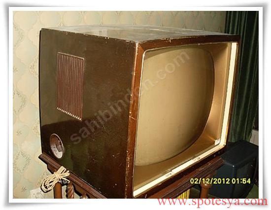 an tika tüplü siyah beyaz televizyonlar005
