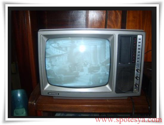 an tika tüplü siyah beyaz televizyonlar008